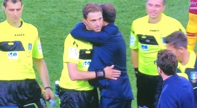 """Allegri abbraccia Tagliavento dopo la partita, l'ironia social: """"Le vittorie si festeggiano con gli amici"""""""