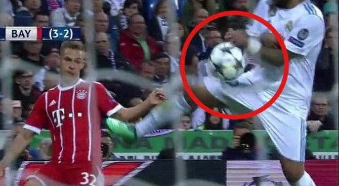 Benzema, papere e arbitro mandano il Real in finale di Champions. Bayern penalizzato come nel 2017