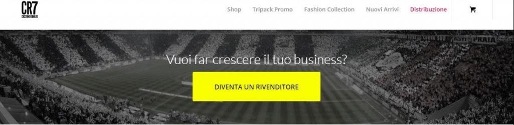 Ronaldo Si Sente Già Della Juventus In Intimo Con Sfondo Bianconero