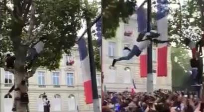 Francia, follie… Mondiali: ragazzo si lancia dall'albero per festeggiare (ma nessuno lo prende)