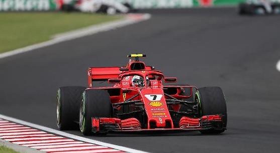 Ungheria, Raikkonen non può bere: in Ferrari scordano di collegargli la bottiglia…