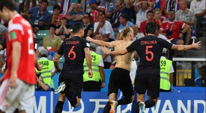 Croazia, semifinale di… rigore. Il portiere si 'stira' ma rimane in campo, penalty 'thriller' di Modric