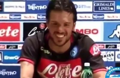 """Napoli, l'insulto del tifoso: """"Higuain maiale"""". E Simone Verdi abbozza la risata"""