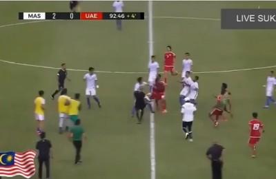 Malesia-Emirati Arabi Uniti, amichevole... ma non troppo: è rissa, scatta il tutti contro tutti