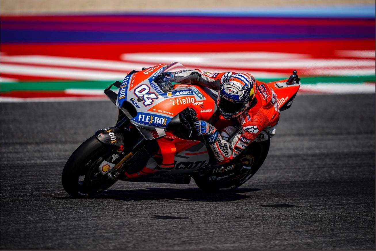 """A Misano è tripletta italiana. In MotoGP Ducati festeggia con Dovi (""""Ho veramente goduto!""""), male Rossi"""