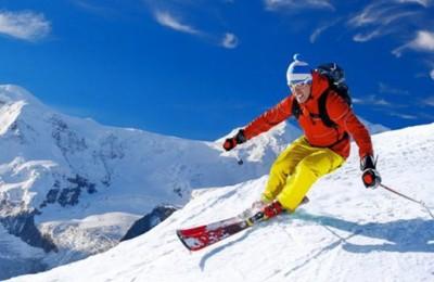 Attrezzatura da sci: come scegliere i modelli più adatti al proprio livello