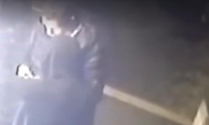 Video choc: Manuel Bortuzzo cade a terra ferito dal colpo di pistola