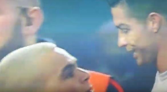 L'abbraccio con Cristiano Ronaldo vale il Daspo e una denuncia